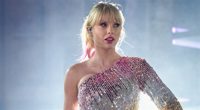 190702-taylor-swift-main-mn-0805_5dda0bc7527ad68343275846bff288e6.fit-760w